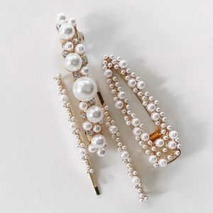 NEW▪️Natasha pearl hair clips.